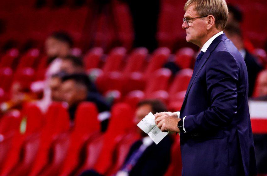 Dwight Lodeweges aguarda novo treinador para saber se continuará como auxiliar na seleção