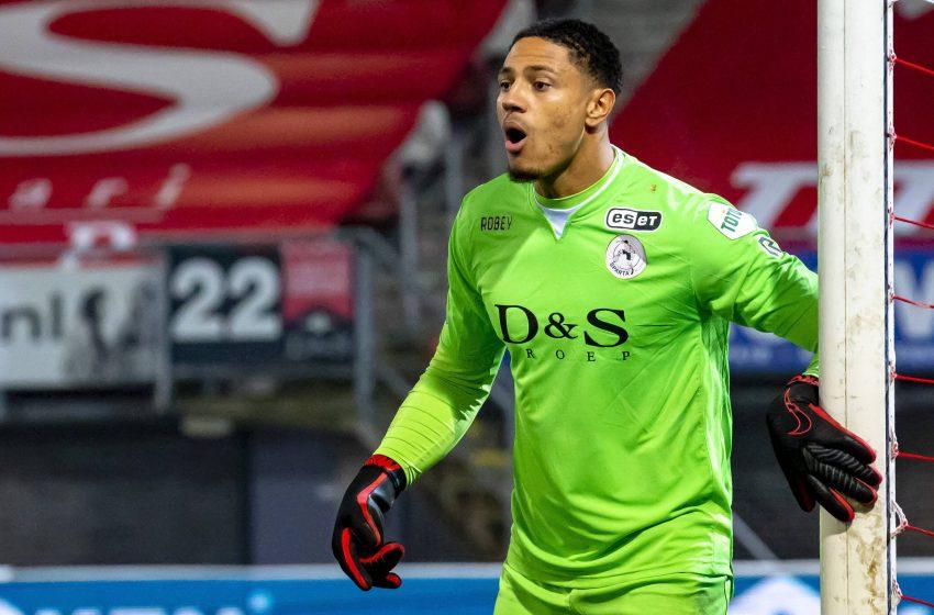 AZ Alkmaar olha para Maduke Okoye como possível substituto de Marco Bizot