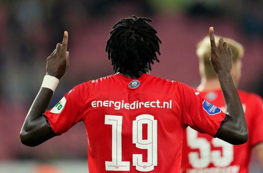 Bruma marca no final e PSV vence FC Midtjylland na Dinamarca