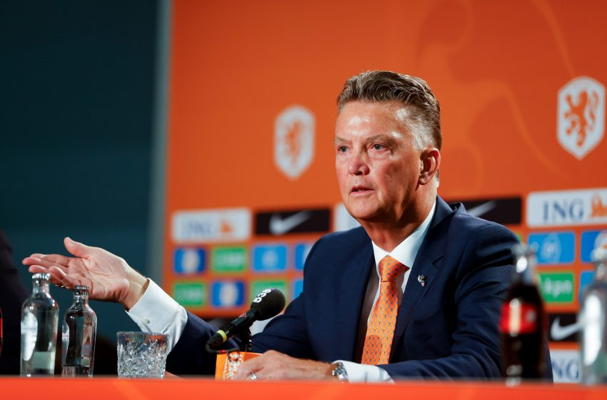 Louis van Gaal retorna para a seleção em busca de título mundial