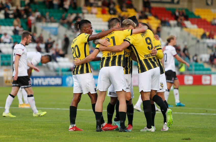 Vitesse passa sufoco no final, mas vence Dundalk FC e avança na UEFA Conference League