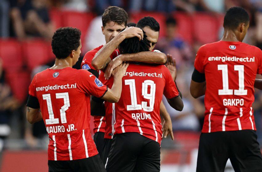 PSV bate SC Cambuur por 4 a 1