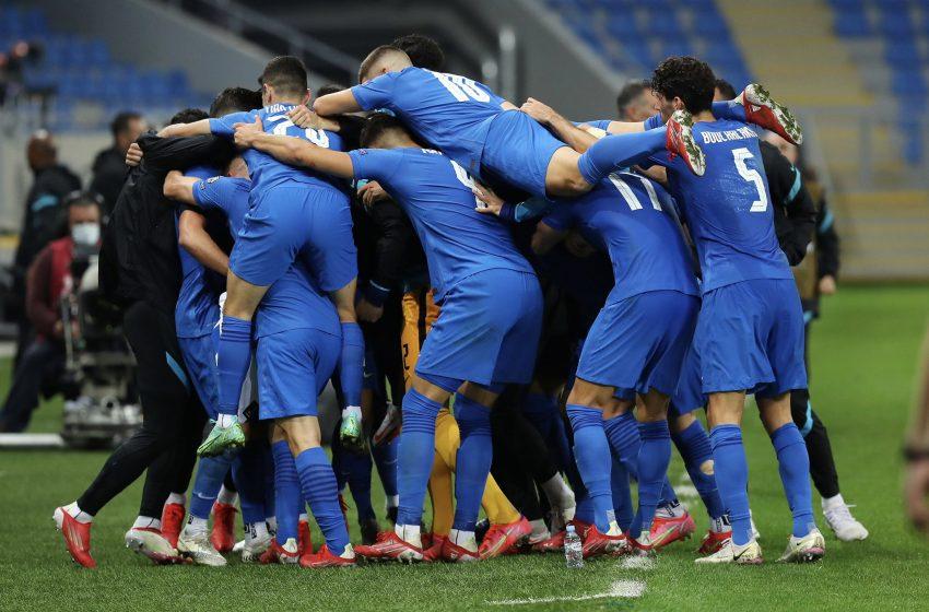 Grécia de John van 't Schip bate Geórgia por 2 a 0