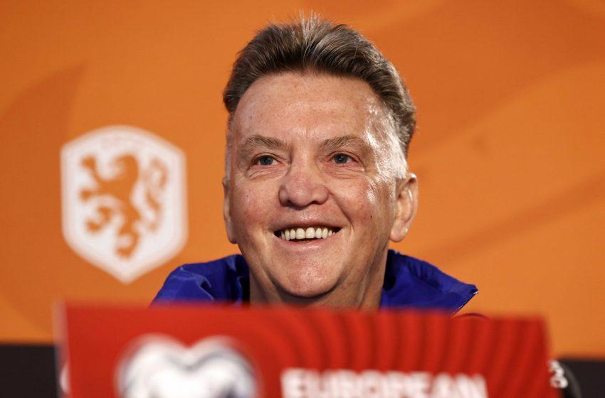 Louis van Gaal sinaliza possíveis mudanças na equipe holandesa
